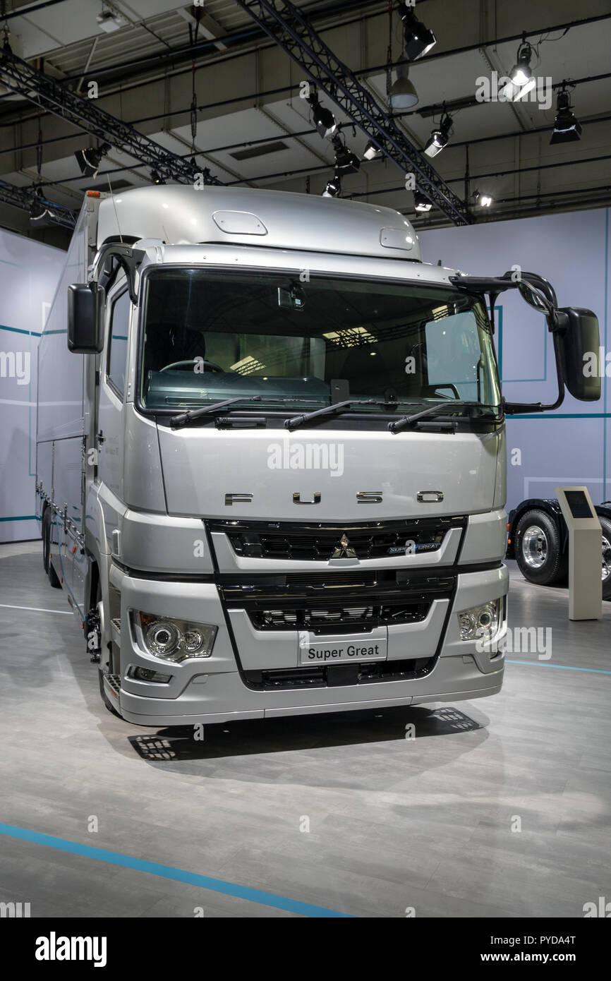 Heavy Duty Vehicles Stock Photos & Heavy Duty Vehicles Stock