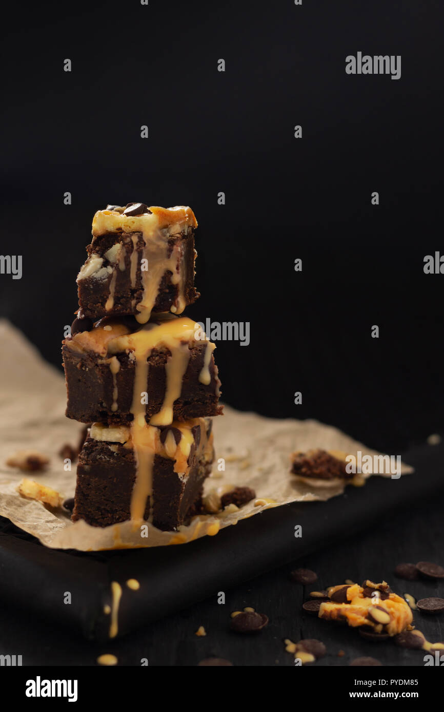 Chunky-Monkey-Brownies mit Erdnussbutter - Stock Image