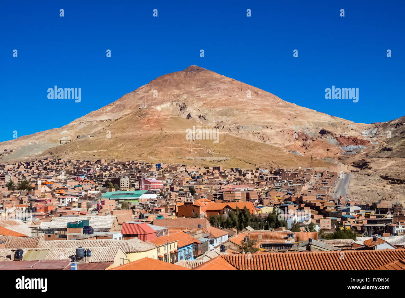 Potosi (UNESCO) in Bolivia - the world's highest city (4070m). view over the city and the colored mountain, Cerro Rico the working silver mines - Stock Image