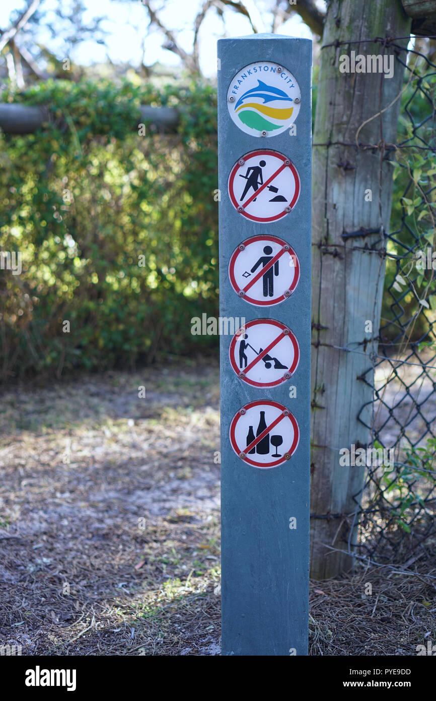 Seaford, VIC / Australia - Oct 5 2018: No digging, no littering, no dumping, no alcohol sign at Seaford Beach - Stock Image