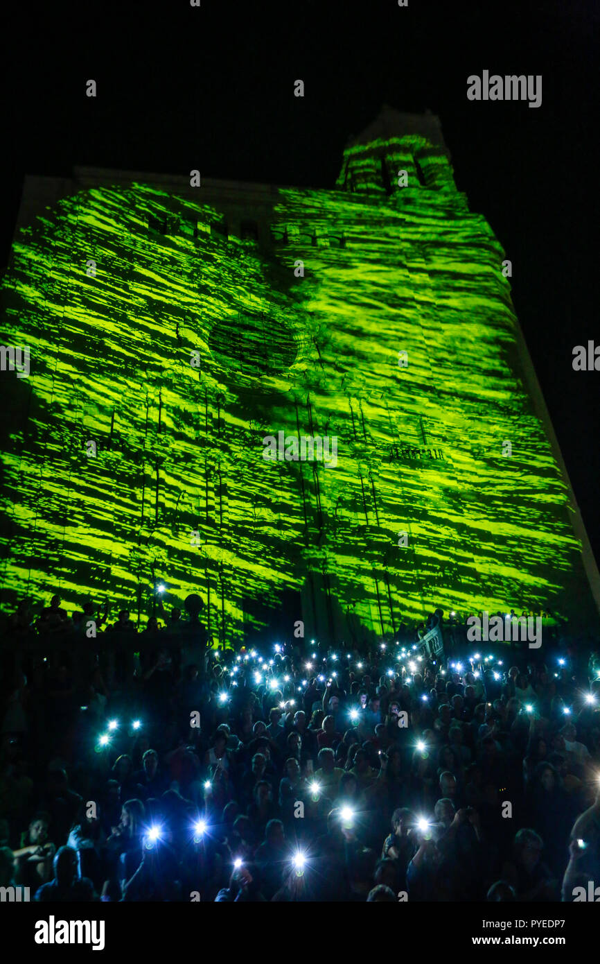 Sept 2018, crowd with lit up mobile phones in support of Catalan politicians, imprisoned after the 1.10.17 referendum on Catalan independence, Girona - Stock Image