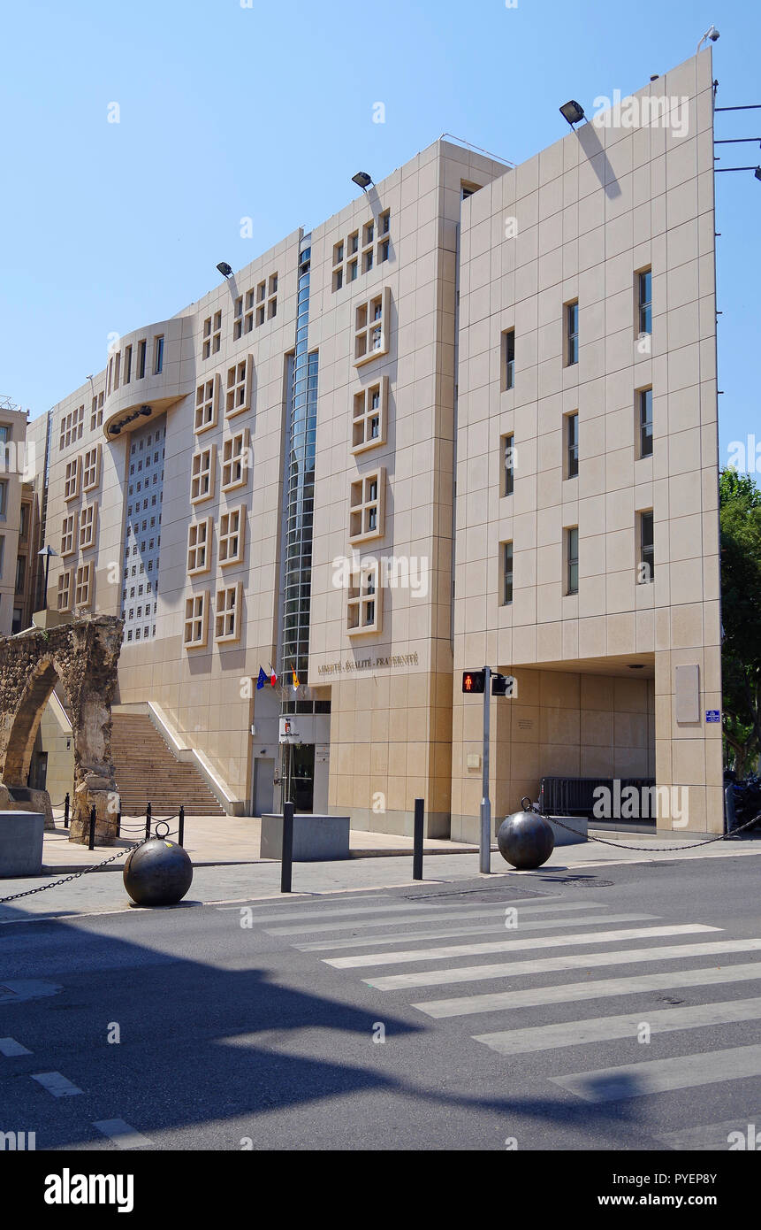 The new wing, of 1987, of the Regional parliament of the Provence Alpes Cote d'Azur Regional council in Marseille - Stock Image