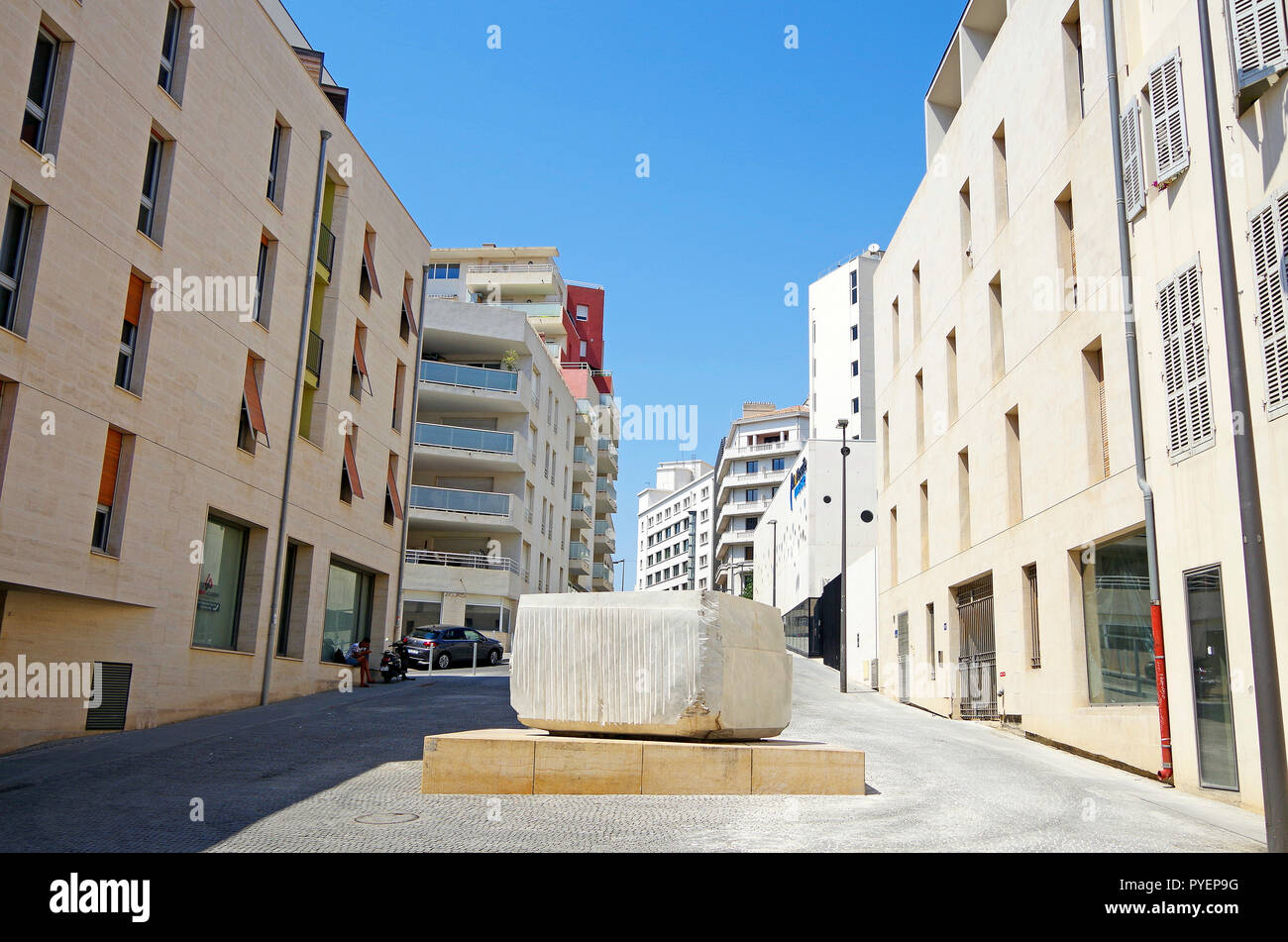 Marseille, small-scale housing development in the St Charles quarter, built on a human scale, and to suit the Mediterranean climate. - Stock Image