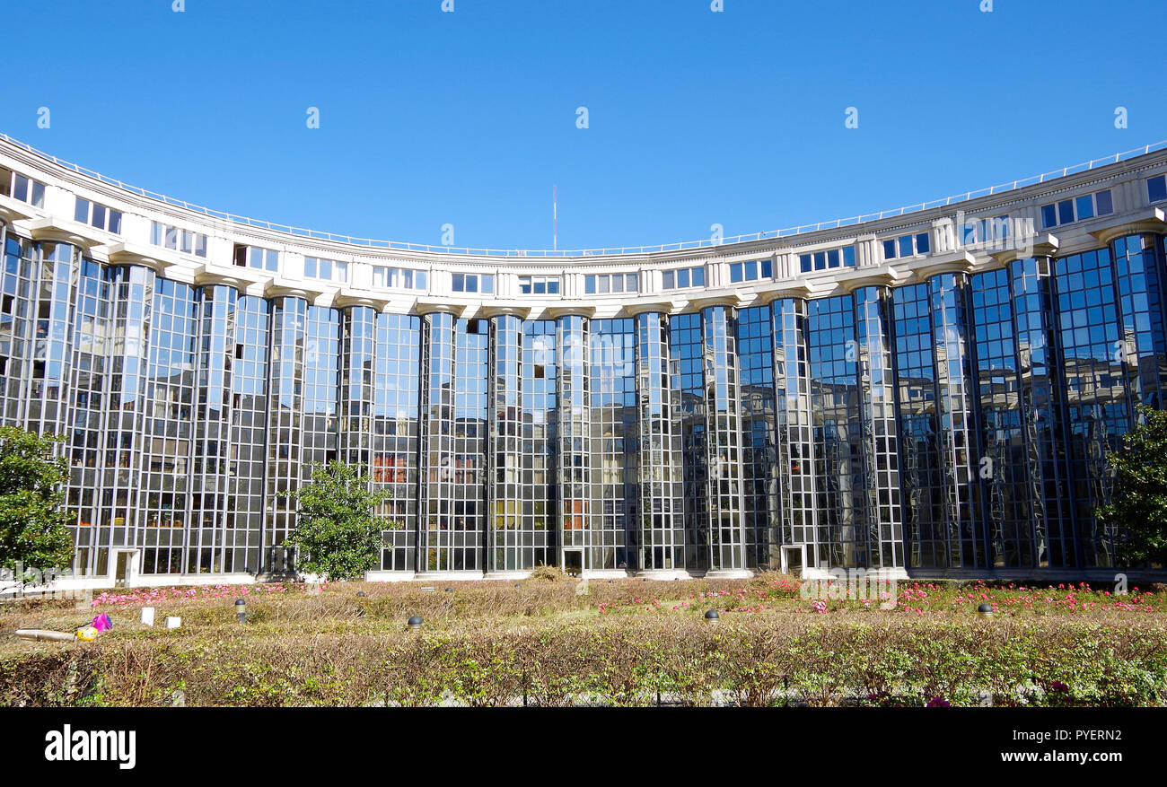 Les Echelles du Baroque, a large Paris local authority apartment complex, in post-modern style with massive neo-baroque and classical features, Stock Photo