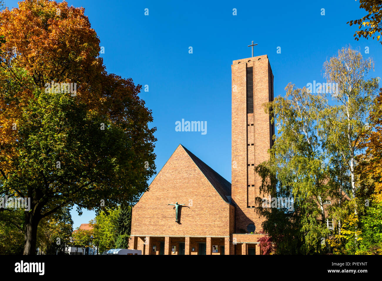 Jesus-Christus-Kirche (Jesus-Christus Church), Berlin in Dahlem, Germany, recording studio for classic-CDs - Stock Image