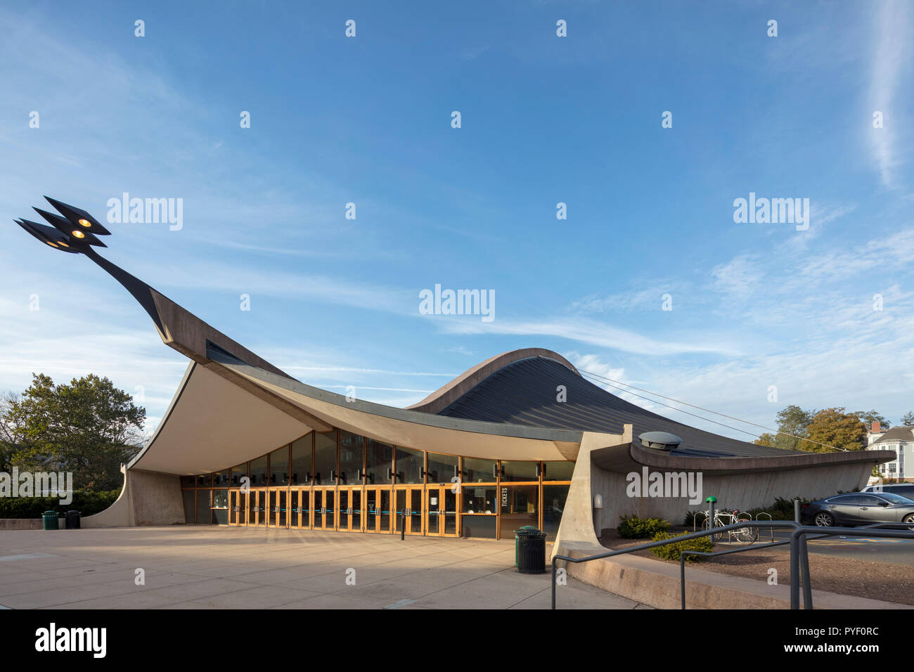 David S. Ingalls hockey rink for Yale University, New Haven,Connecticut, USA, designed by architect Eero Saarinen, built between 1953 and 1958. - Stock Image