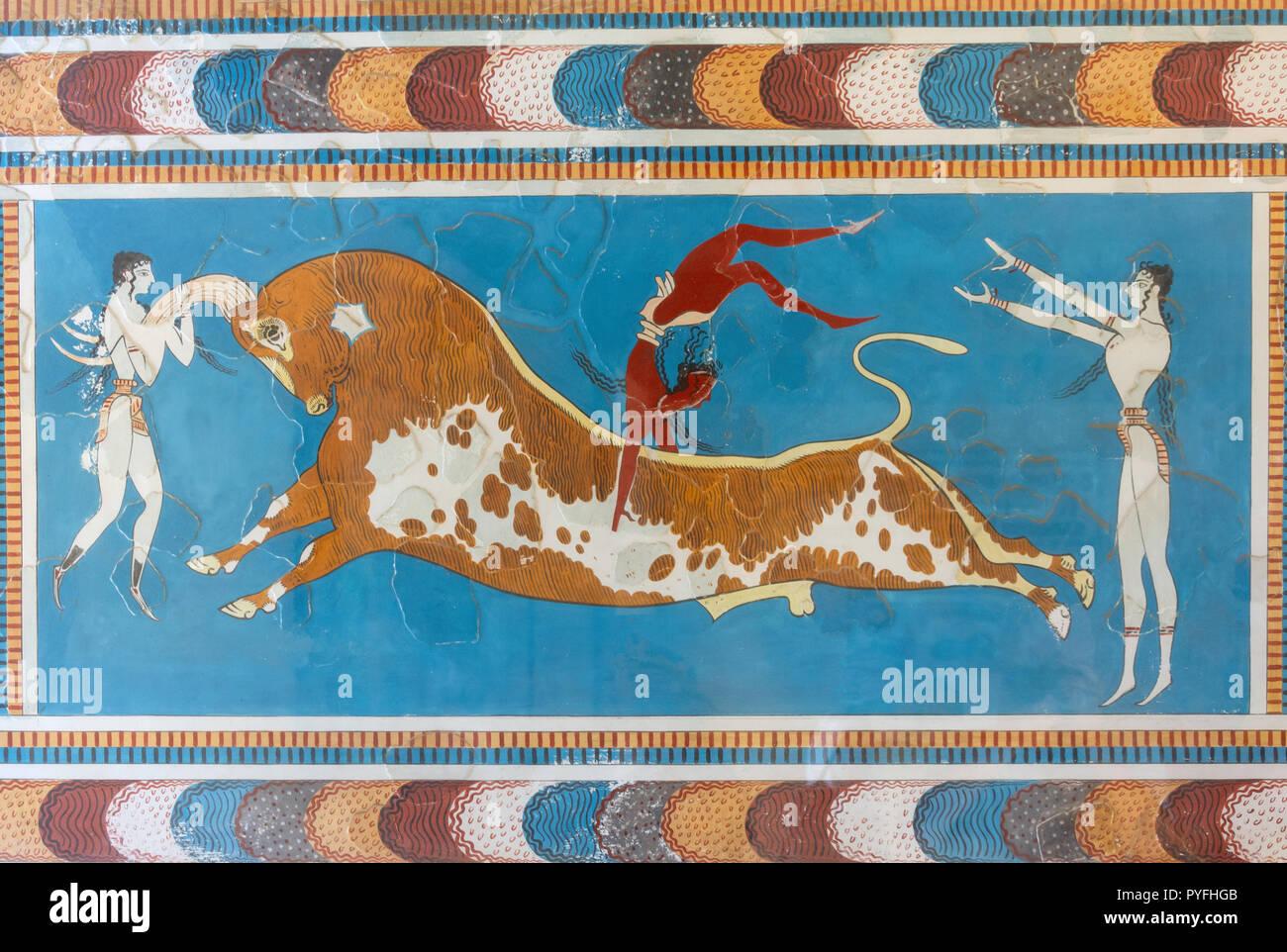 Bull-leaping fresco, Minoan Palace of Knossos, Heraklion (Irakleio), Irakleio Region, Crete (Kriti), Greece - Stock Image