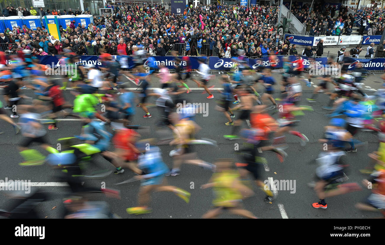 Frankfurt Main, Germany. 28th Oct, 2018. Participants of the Frankfurt Marathon start from the starting point at the Friedrich-Ebert-Anlage. The Frankfurt running event is the oldest city marathon in Germany. Credit: Silas Stein/dpa/Alamy Live News - Stock Image