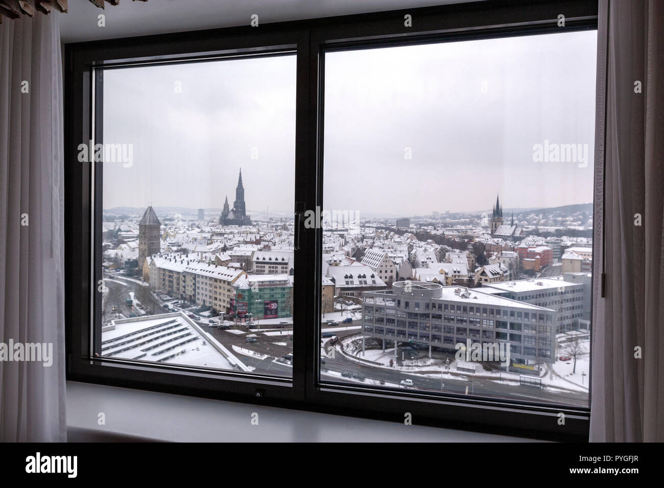 Snow winter view of Ulm from Maritim Hotel with the Ulm Minstert, Baden-Württemberg, Germany, Stock Photo