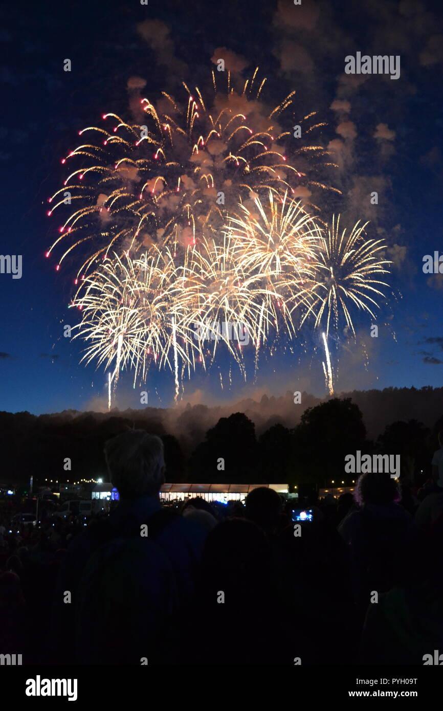 family fireworks uk stock photos & family fireworks uk stock images