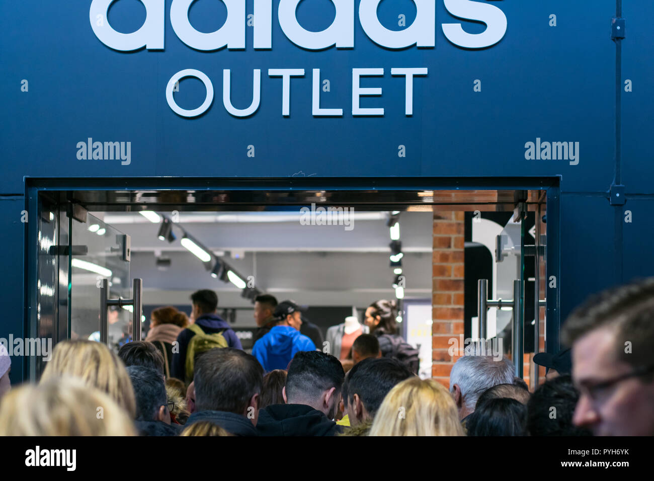 Shopping Outletcity MetzingenGermanyReebok And Fever In Adidas vmwynN80O