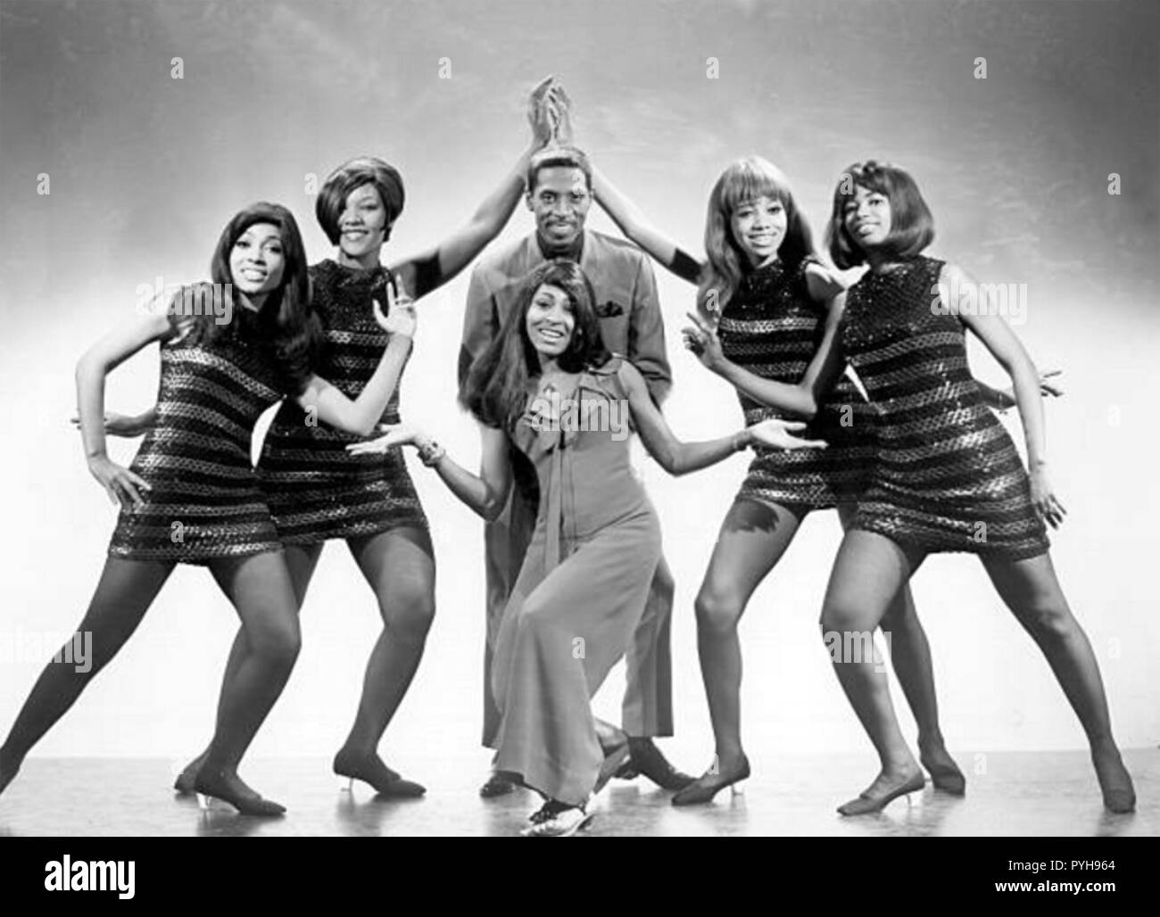 TINA TURNER Promotional photo  with Ike Turner and the Ikettes about 1966 - Stock Image