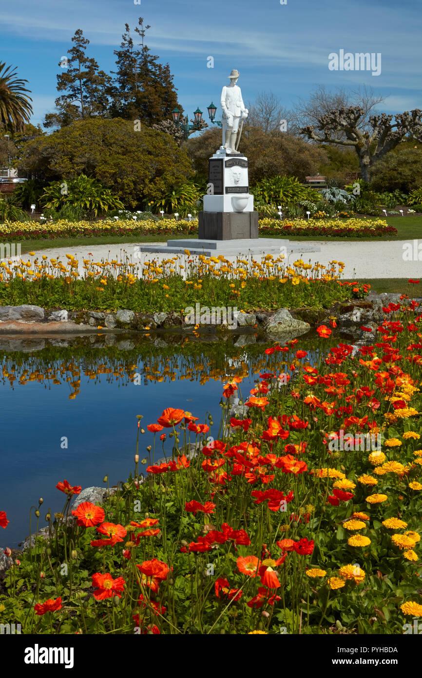 Flowers and Boer War Memorial, Government Gardens, Rotorua, North Island, New Zealand - Stock Image