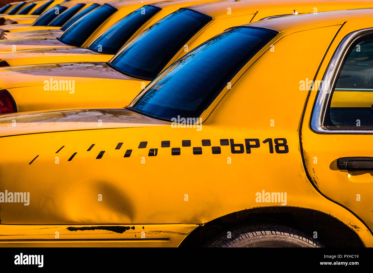 Yellow Cabs Long Island City Queens _ New York, New York, USA - Stock Image