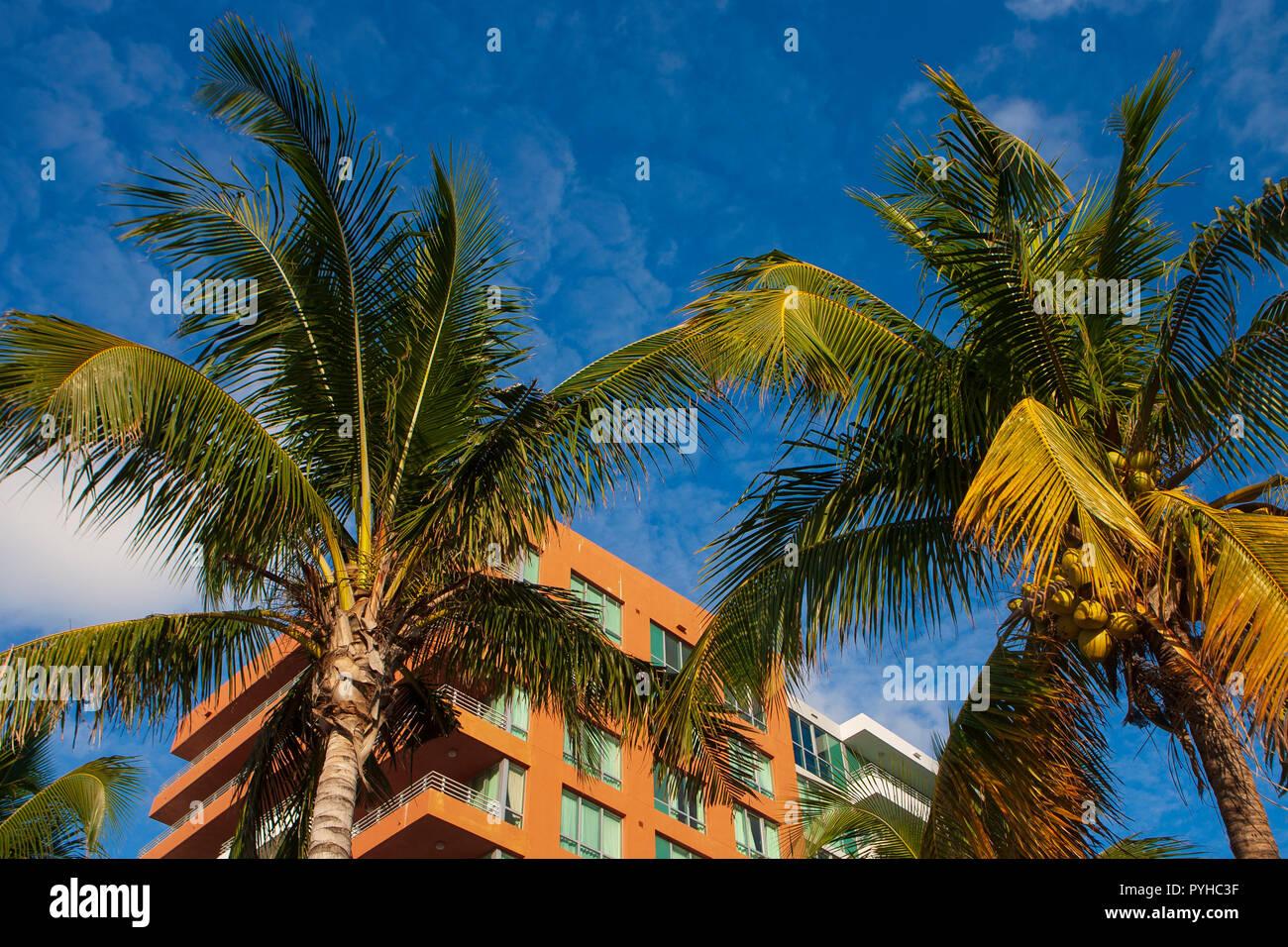 Art Deco style apartment building, Miami Beach, Florida, USA. - Stock Image