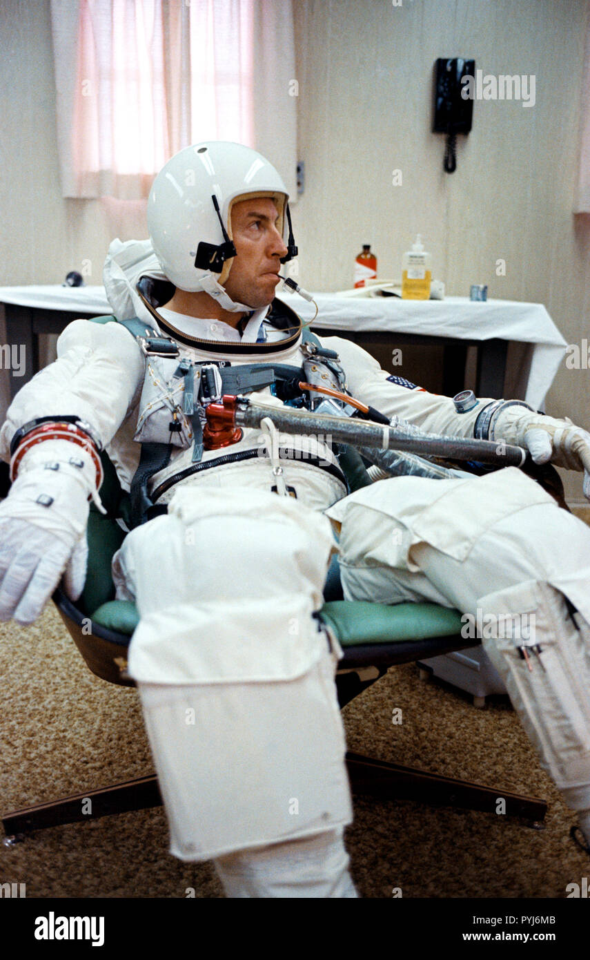 (4 Dec. 1965) --- Gemini-7 pilot James A. Lovell Jr. has a temperature check with an oral temperature probe attached to his spacesuit during a final preflight preparations for the Gemini-7 space mission. - Stock Image
