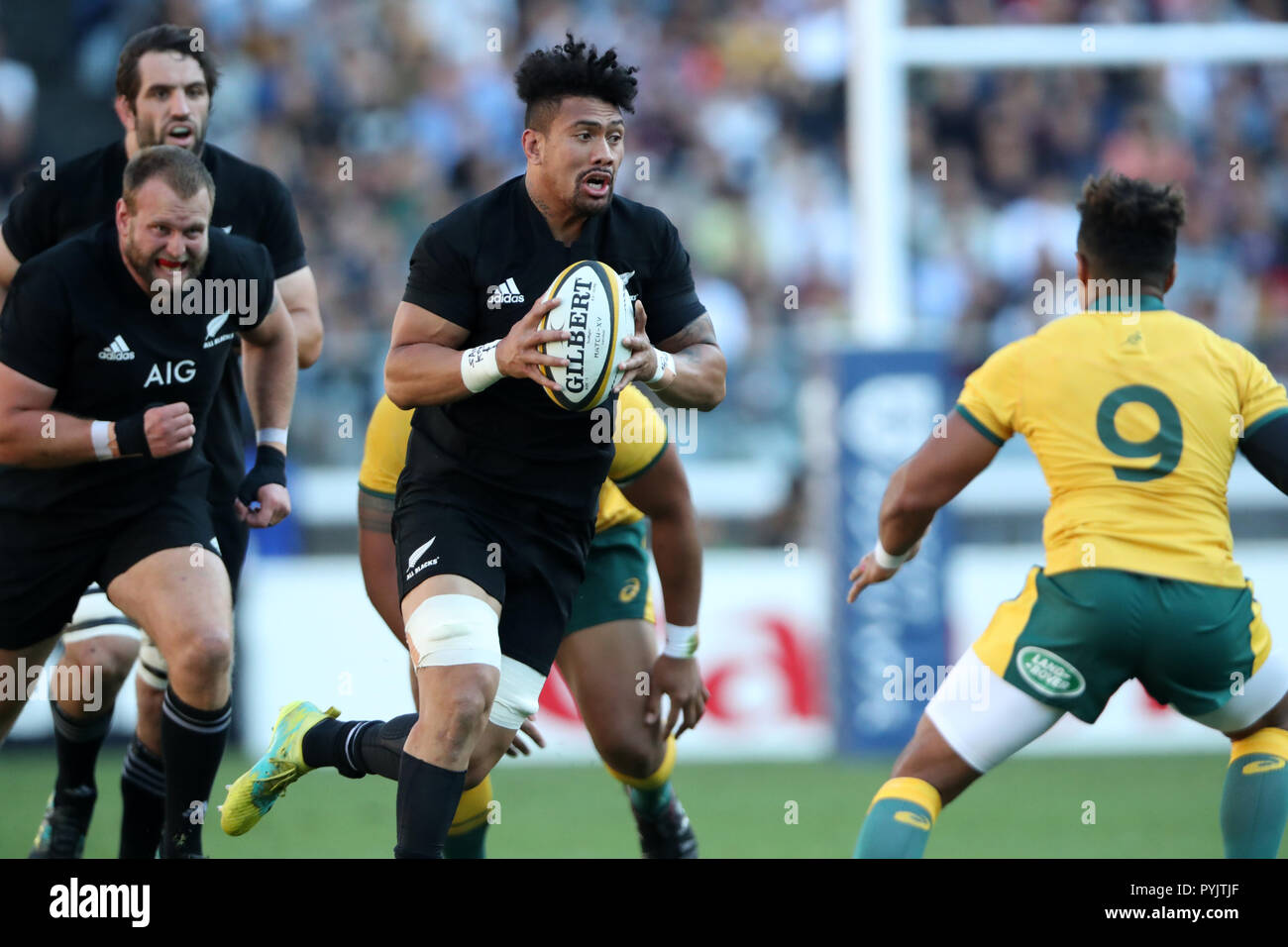 Yokohama, Japan. 27th Oct, 2018. Ardie Savea (NZ) Rugby : 2018 Bledisloe Cup, Rugby test match between New Zealand 37-20 Australia at Nissan Stadium in Yokohama, Japan . Credit: AFLO/Alamy Live News - Stock Image