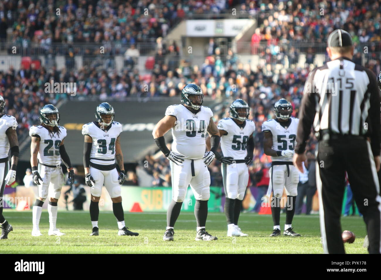 London, UK. 28 October 2018.  Philadelphia Eagles Defensive Tackle Haloti Ngata (94)  at the Eagles at Jaguars - credit Glamourstock Credit: glamourstock/Alamy Live News - Stock Image