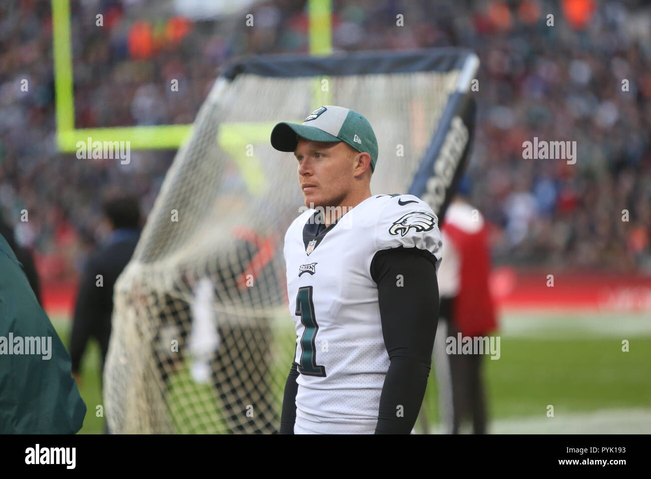 London, UK. 28 October 2018.   Philadelphia Eagles Punter Cameron Johnston (1) at the Eagles at Jaguars - credit Glamourstock Credit: glamourstock/Alamy Live News - Stock Image