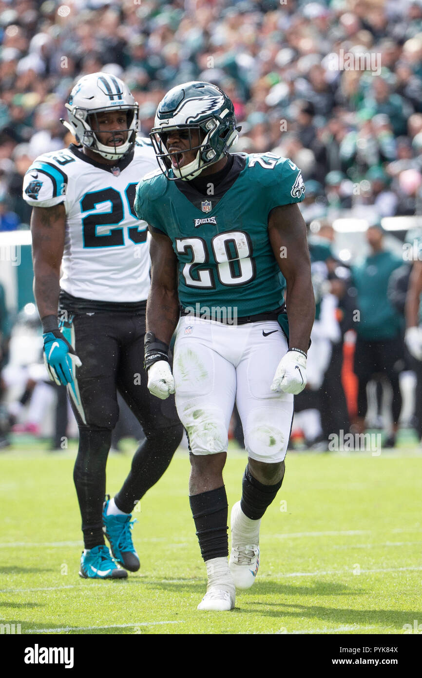 Philadelphia, Pennsylvania, USA. 21st Oct, 2018. Philadelphia Eagles running back Wendell Smallwood (28) reacts to the first down as Carolina Panthers free safety Mike Adams (29) looks on during the NFL game between the Carolina Panthers and the Philadelphia Eagles at Lincoln Financial Field in Philadelphia, Pennsylvania. Christopher Szagola/CSM/Alamy Live News - Stock Image