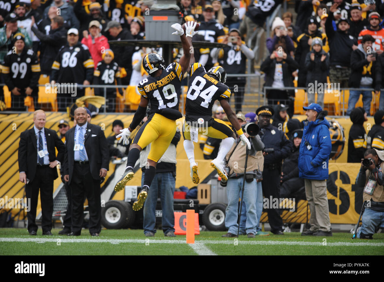 f114db4da7c October 28th, 2018: Steelers #84 Antonio Brown, and Steelers #19 JuJu