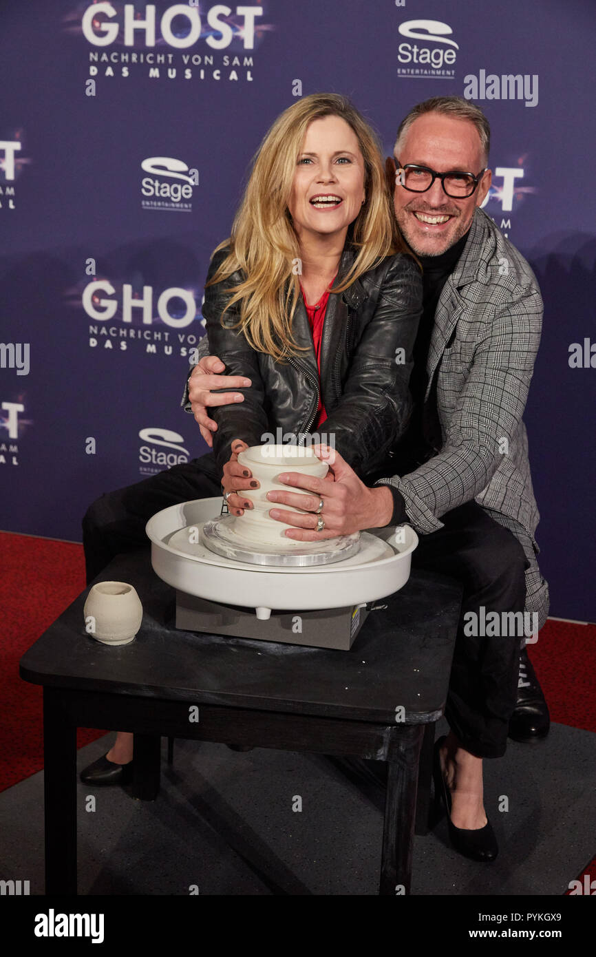 "Hamburg, Germany. 28th Oct, 2018. Michaela Schaffrath and Nik Breidenbach, both actors, come to the Hamburg premiere of the musical ""Ghost"". The musical will be a guest at the Operettenhaus until the end of February. Credit: Georg Wendt/dpa/Alamy Live News Stock Photo"