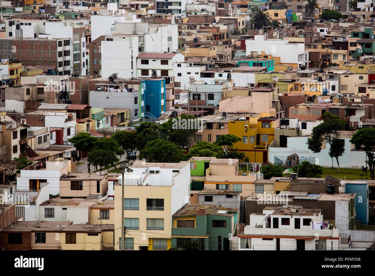 Blick über die Stadt und die Häuser in Lima, Peru, Südamerika - Stock Image