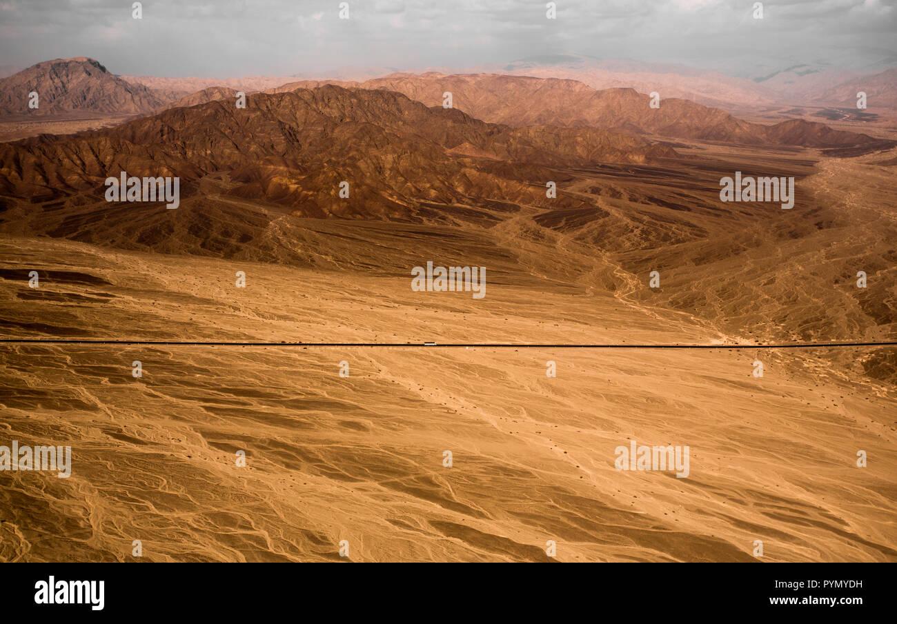 Flug zu den Naszca Linien über die Panamericana, in Peru, Südamerika - Stock Image