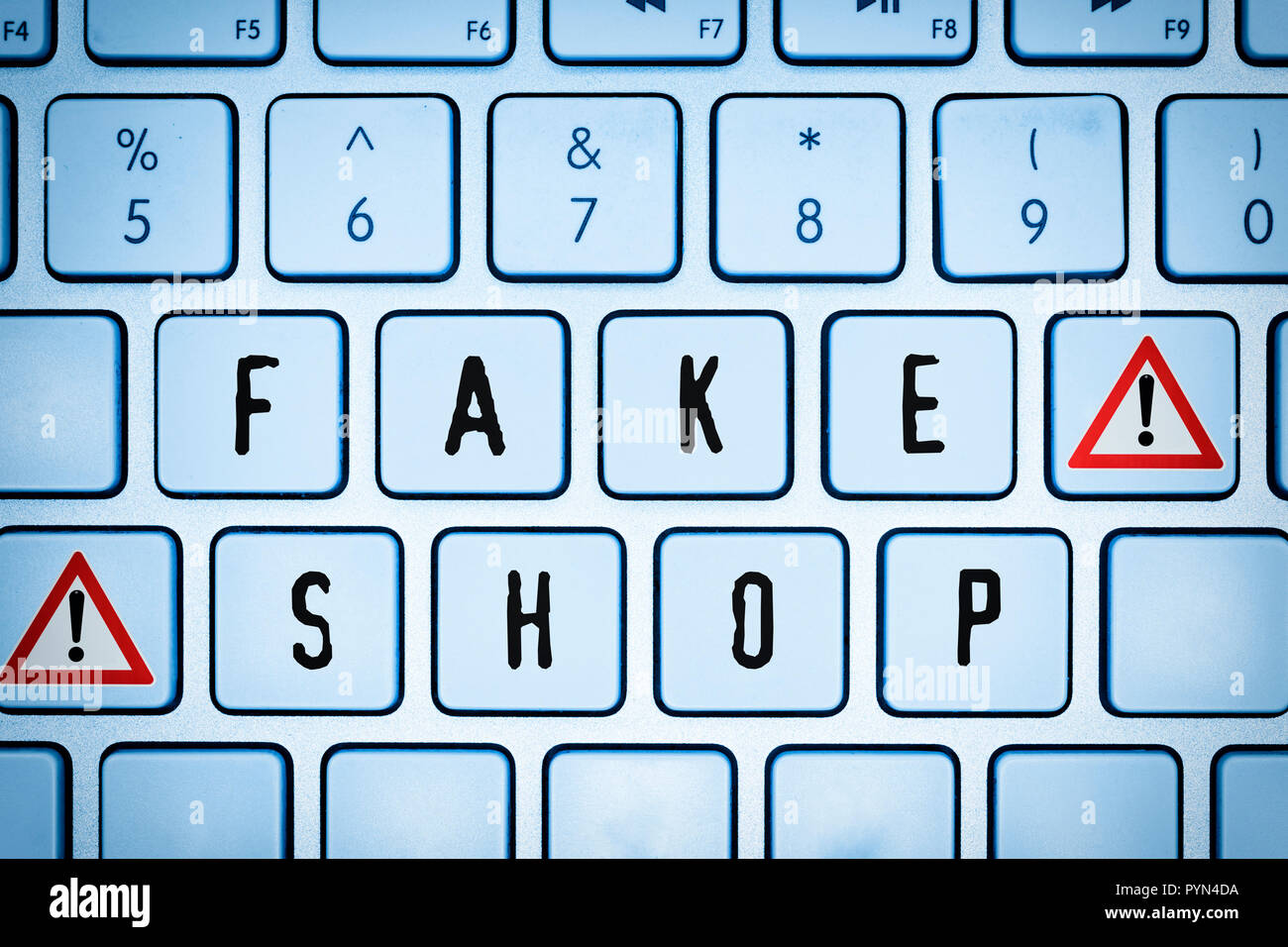 Computer keyboard with the label Fake shop, Computertastatur mit der Aufschrift Fake Shop Stock Photo