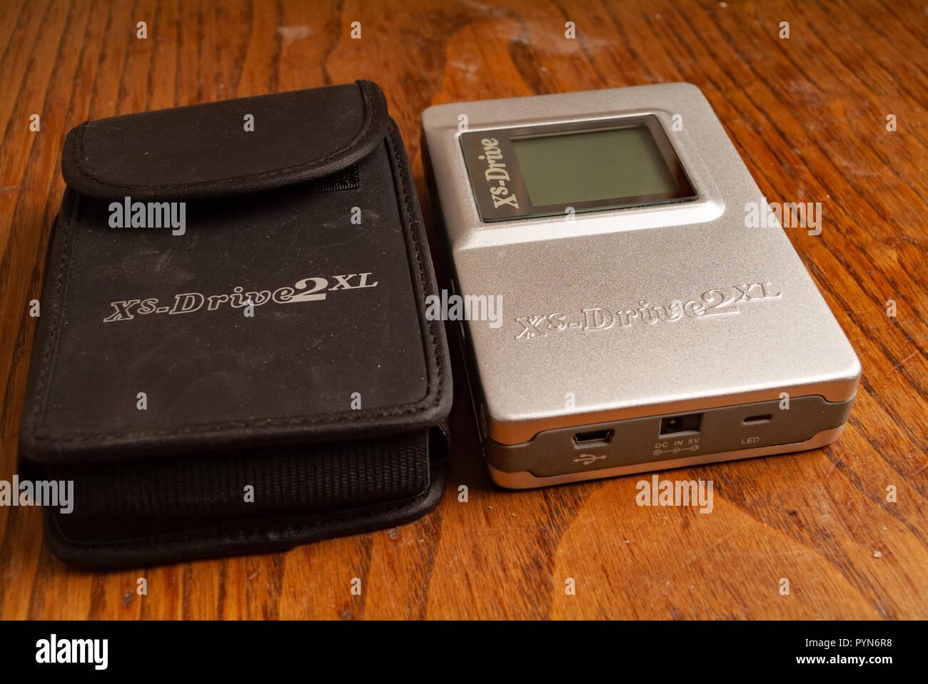 Early 2000s Tech Stock Photos & Early 2000s Tech Stock