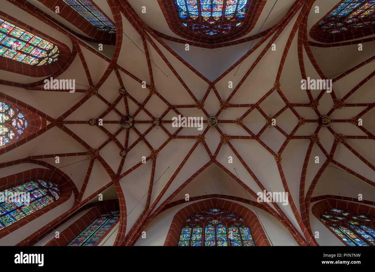 Oppenheim, Katharinenkirche, Gewölbe des spätgotischen Westchors - Stock Image