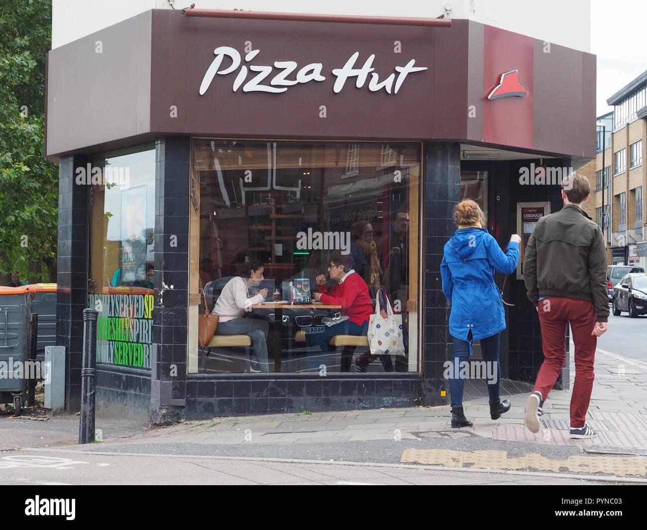 Pizza Hut Uk Stock Photos Pizza Hut Uk Stock Images Page