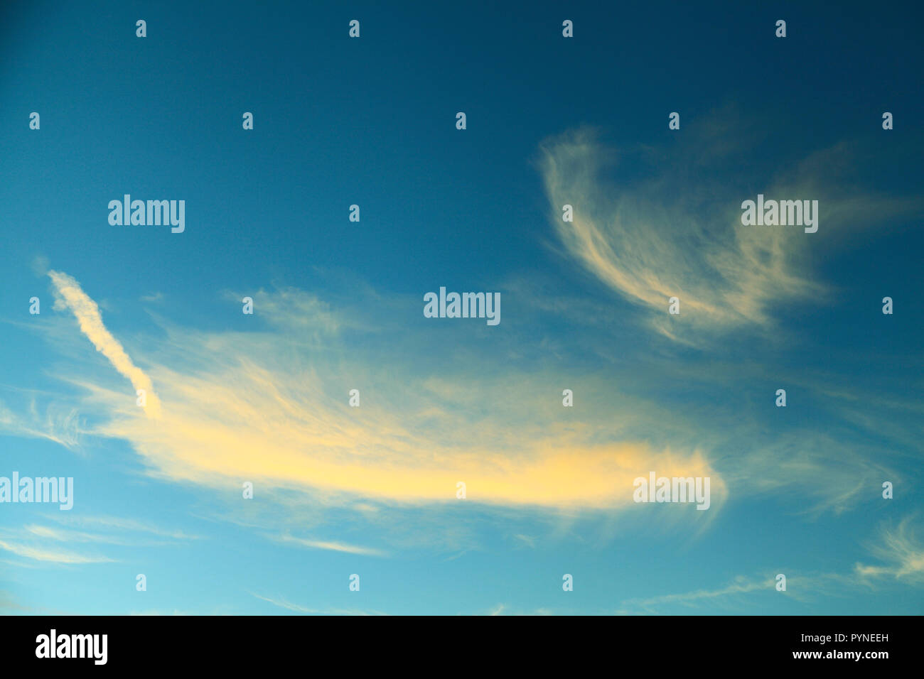 Cirrus cloud, formation, white cloud, clouds, blue sky - Stock Image