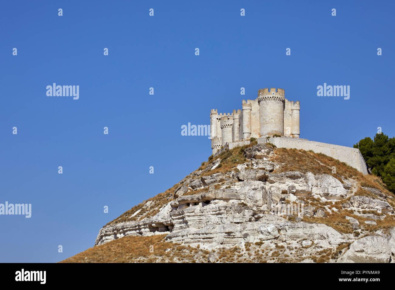 The Castillo de Peñafiel. Peñafiel, Castilla y León, Spain.  [Ribera del Duero] - Stock Image