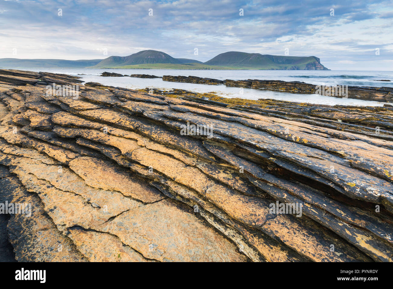 Warbeth Beach, Stromness, Orkney with a view to Hoy, Orkney Islands - Stock Image