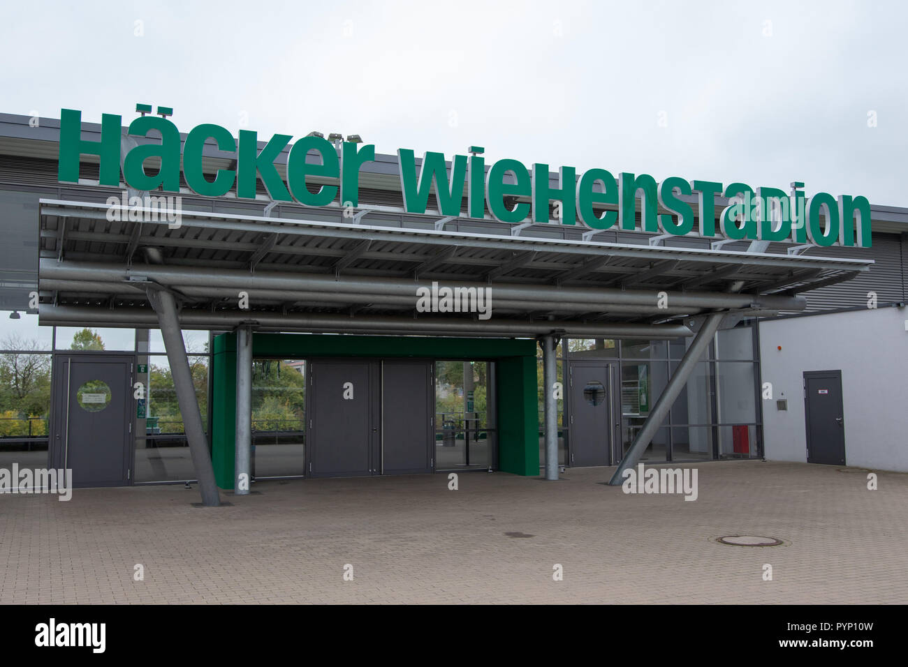 Roedinghausen, Germany. 29th Oct, 2018. Picture of the Haecker Wiehenstadion. SV Roedinghausen faces off against FC Bayern Munich in the 2nd round of the soccer DFB Cup. The game takes place in Osnabrueck. SV Roedinghausen is currently playing in the football regional league West. The home stadium is in the East Westphalian district of Herford in North Rhine-Westphalia. Credit: Friso Gentsch/dpa/Alamy Live News Stock Photo