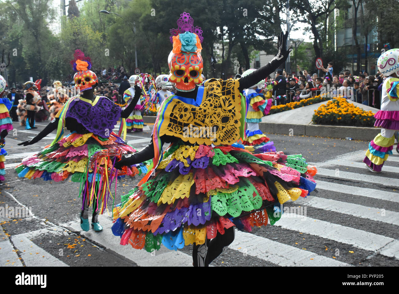 Mexico City Mexico 27th Oct 2018 A Participant Seen Dressed Up As The Dead During The