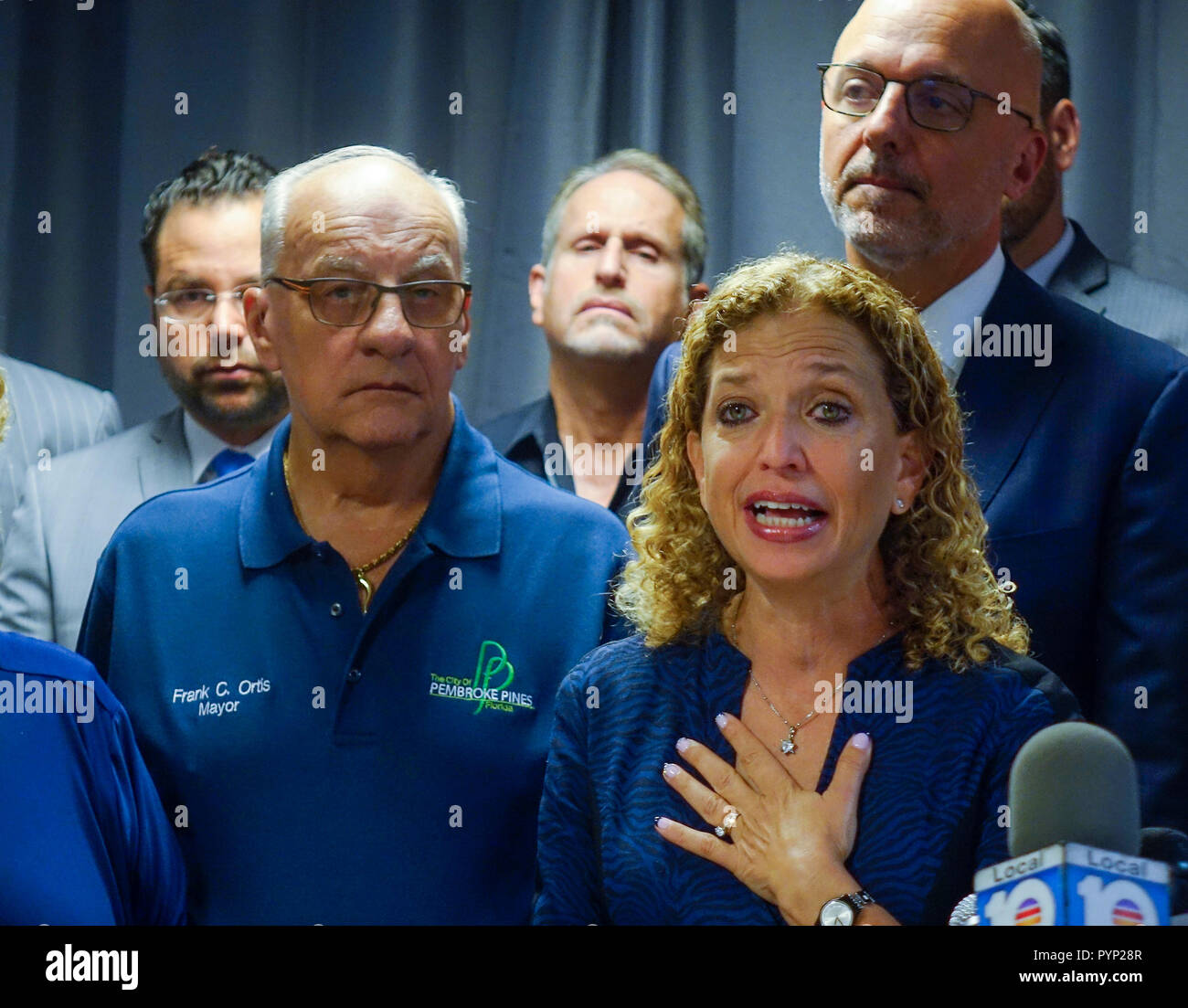 Davie, FL, USA. 29th Oct, 2018. U.S. Rep. Debbie Wasserman Schultz gives a passionate response to the massacre of Jewish congregants at the Pittsburgh synagogue during a news conference at the Jewish Federation of Broward County in Davie, Monday, Oct. 29, 2018 Credit: Sun-Sentinel/ZUMA Wire/Alamy Live News - Stock Image