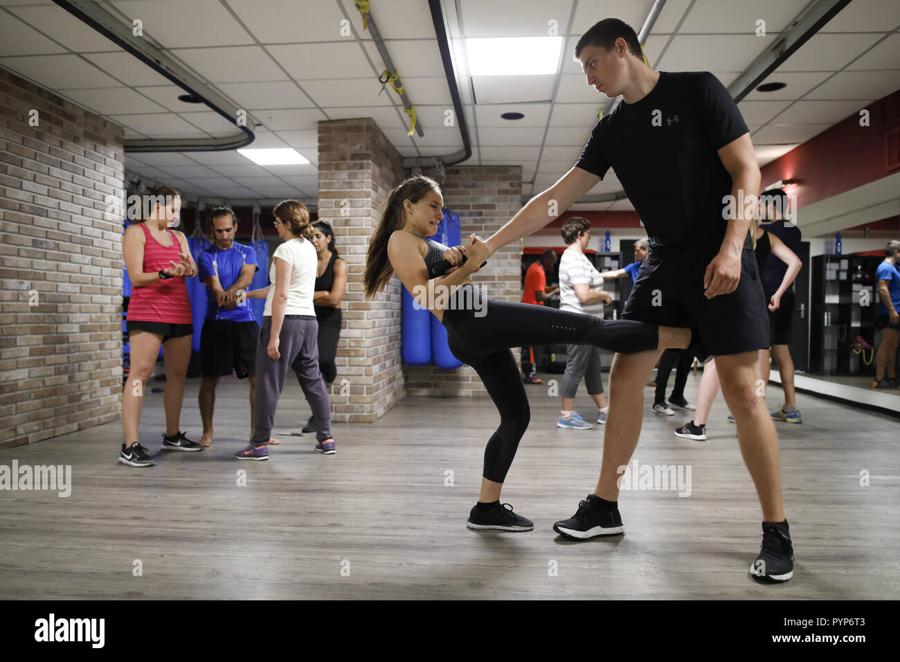 Tel Aviv, Israel. 31st July, 2018. Shana Cohen participates in a Krav Maga training. Krav Maga is a form of self-defence where the aim is to recognize dangers early on, to avoid conflicts and to defend oneself in an emergency. (to dpa-Story: Self-defence with Krav Maga from 30.10.2018) Credit: Corinna Kern/dpa/Alamy Live News - Stock Image