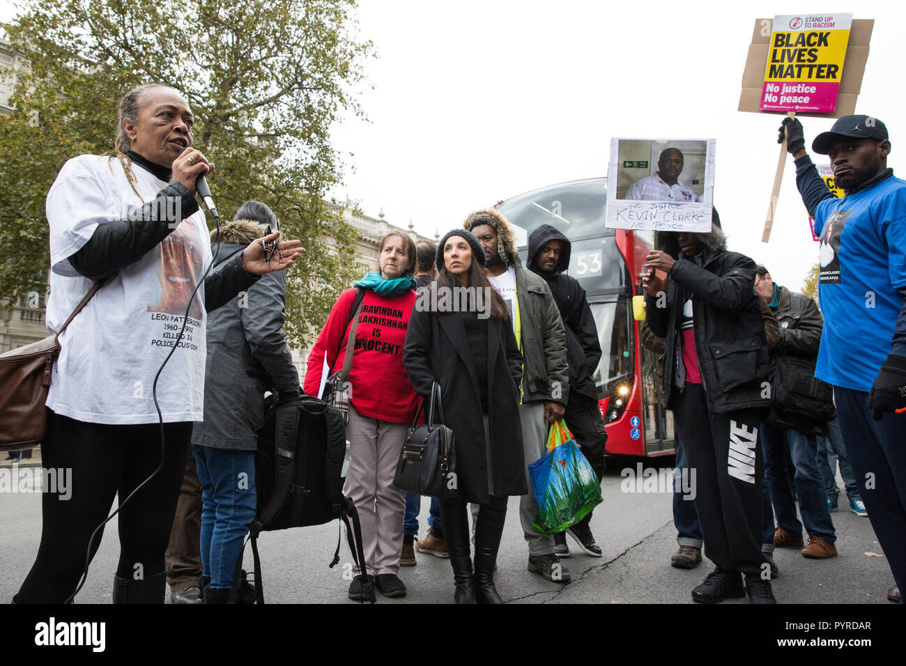 London, UK. 27th October, 2018. Stephanie Lightfoot-Bennett, twin sister of Leon Patterson, addresses campaigners from the UFFC. - Stock Image
