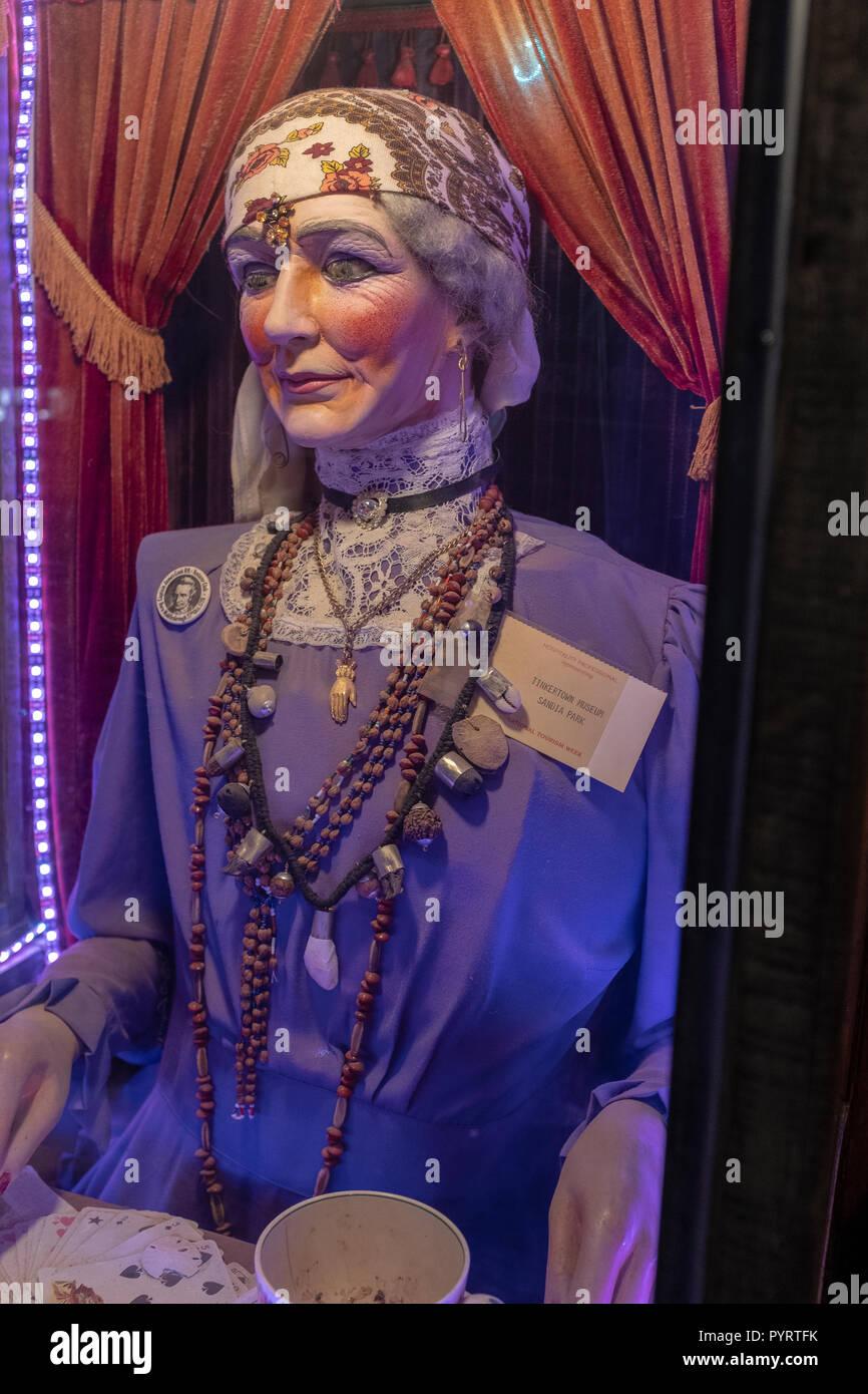 animatronic fortune teller machine - Stock Image