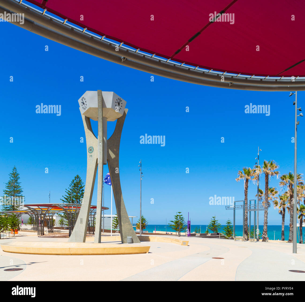The Rotary Clock Tower and Scarborough Beach promenade in the new Scarborough Beach redevelopment. , Perth, Western Australia - Stock Image