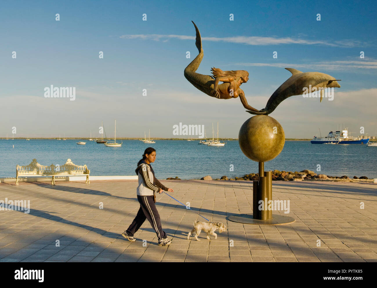 Paraiso del mar (Paradise of the Sea) sculpture by Octavio Gonzalez at Malecon, La Paz, Baja California Sur, Mexico - Stock Image
