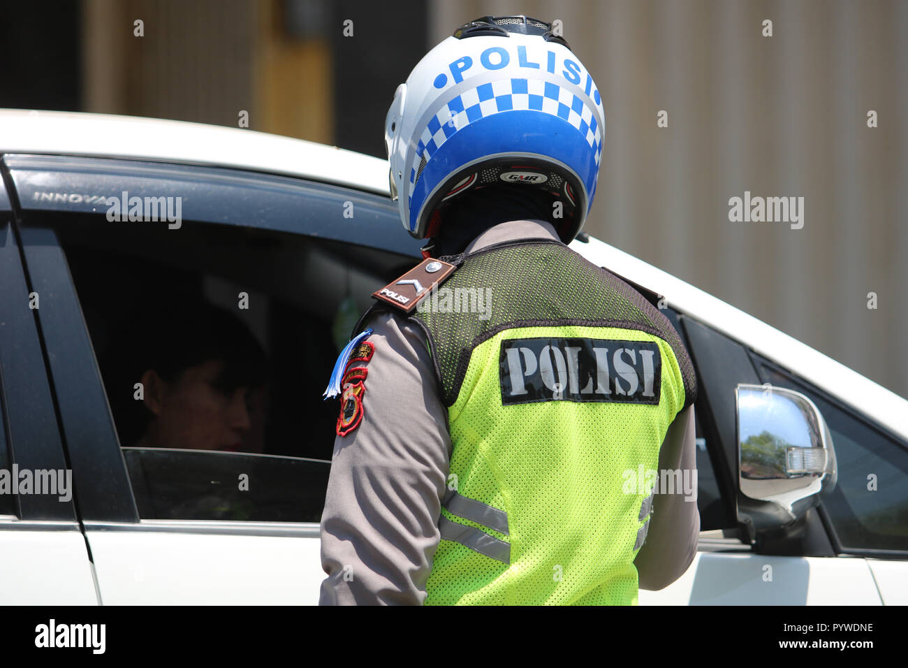 Makassar, Indonesia. 31st Oct, 2018. Vehicle inspections carried out by police officers against a number of vehicles in the city of Makassar, Wednesday October 31, 2018. Inspections in the context of zebra operation Credit: Herwin Bahar/Alamy Live News Stock Photo