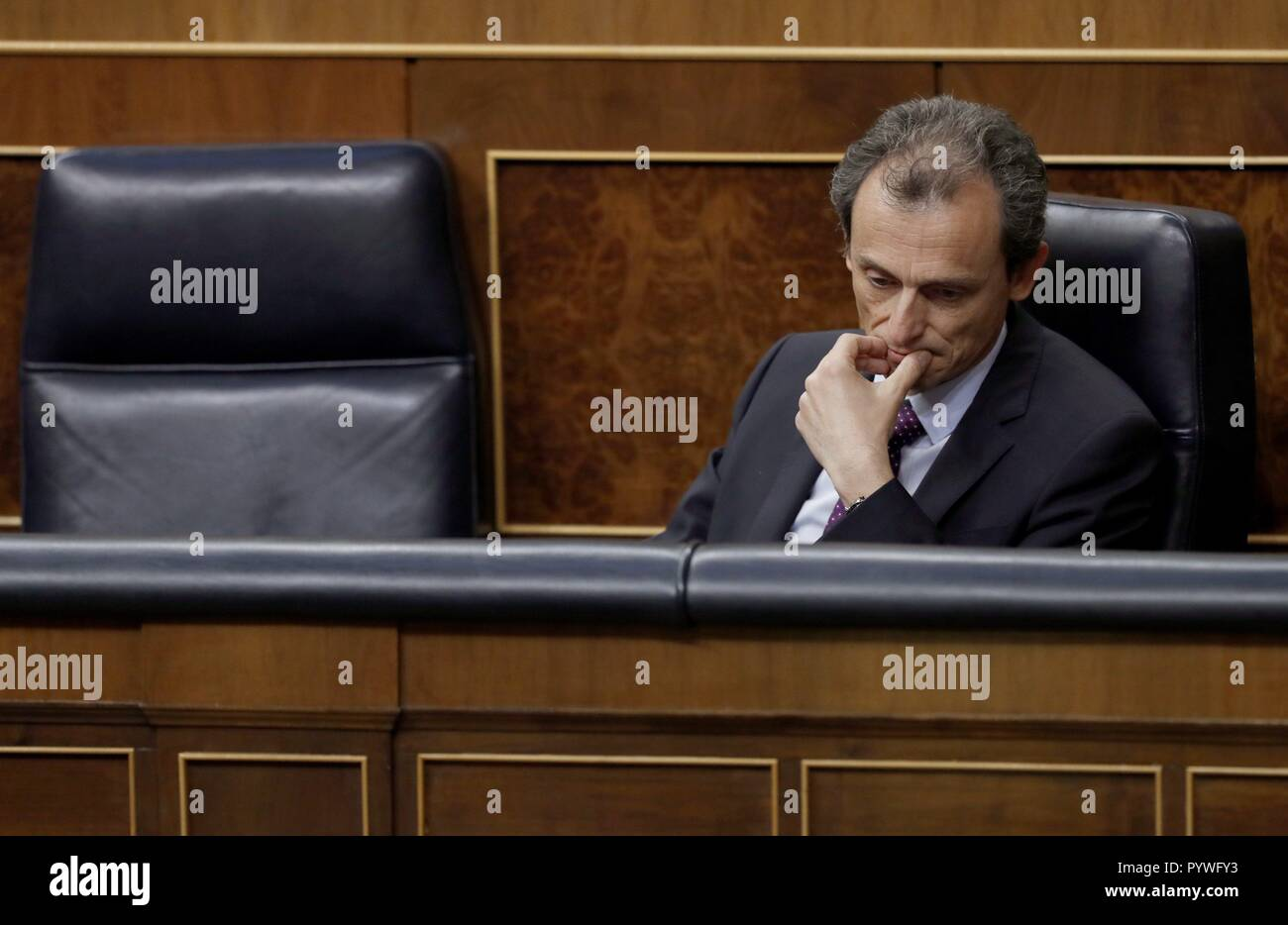 Madrid, Spain. 31st Oct, 2018. Spanish Minister of Science, Innovation and Universities, Pedro Duque, attends question time at Parliament in Madrid, Spain, 31 October 2018. Credit: Javier Lizon/EFE/Alamy Live News - Stock Image
