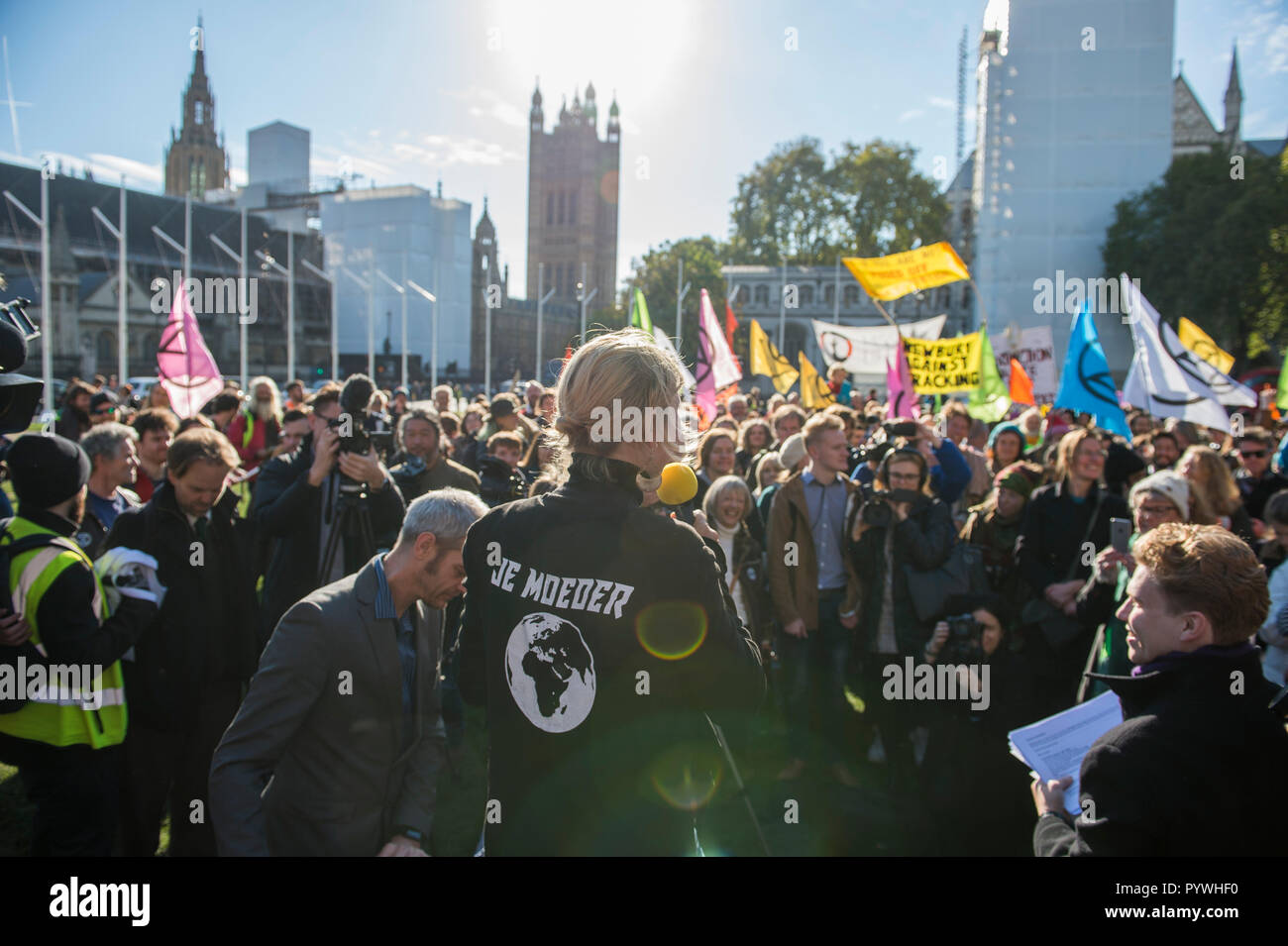Parliament Square, London, UK. 31 October, 2018. Extinction Rebellion, a new pressure group, is calling for civil disobedience in the UK in November to draw attention to the climate change emergency facing the planet. They call a Declaration of Rebellion at Parliament Square on 31 October 2018. Credit: Malcolm Park/Alamy Live News. Stock Photo