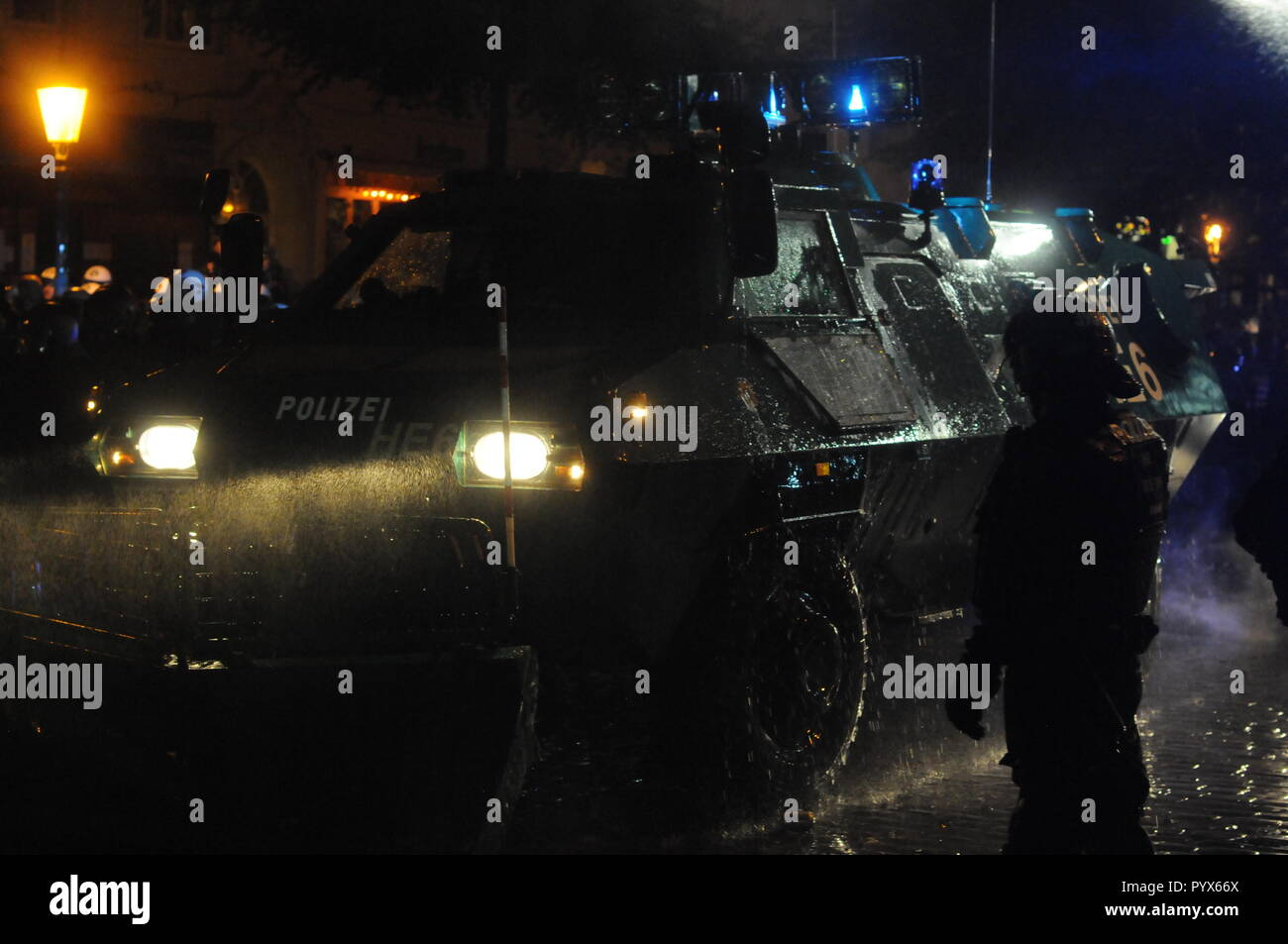 Anti-G20 protest: violent night riots occur near Rote Flora squatt, Hamburg, Germany - Stock Image