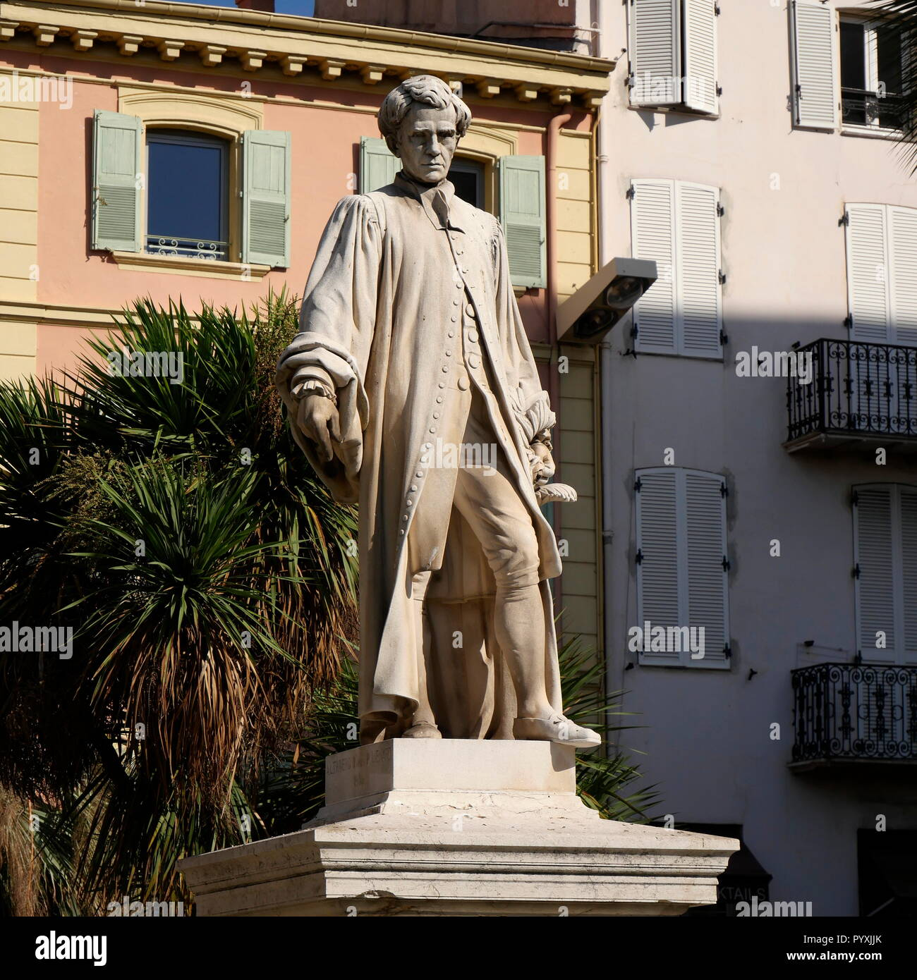 AJAXNETPHOTO. 2018. CANNES, FRANCE. - ENGLISH INFLUENCE - STATUE NEAR ALLEE DE LA LIBERTE OF ENGLISH ARISTOCRAT 1ST BARON LORD HENRY PETER BROUGHAM AND VAUX. PHOTO:JONATHAN EASTLAND/AJAX REF:GX8_182509_606 - Stock Image