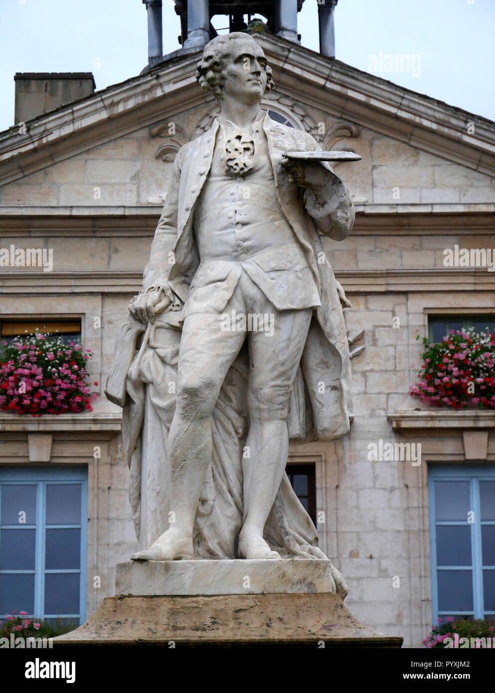 AJAXNETPHOTO. 2018. TOURNUS, FRANCE. - ARTIST STATUE - STATUE OF THE ARTIST JEAN-BAPTISTE GREUZE (1725-1805) WHO WAS BORN IN THE TOWN.  PHOTO:JONATHAN EASTLAND/AJAX REF:GX8 180910 866 Stock Photo