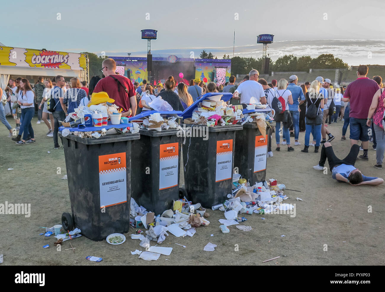 Garbage can, Lollapalooza festival, Olympic stadium, Westend, Berlin, Germany, Muelleimer, Lollapalooza-Festival, Olympiastadion, Deutschland - Stock Image